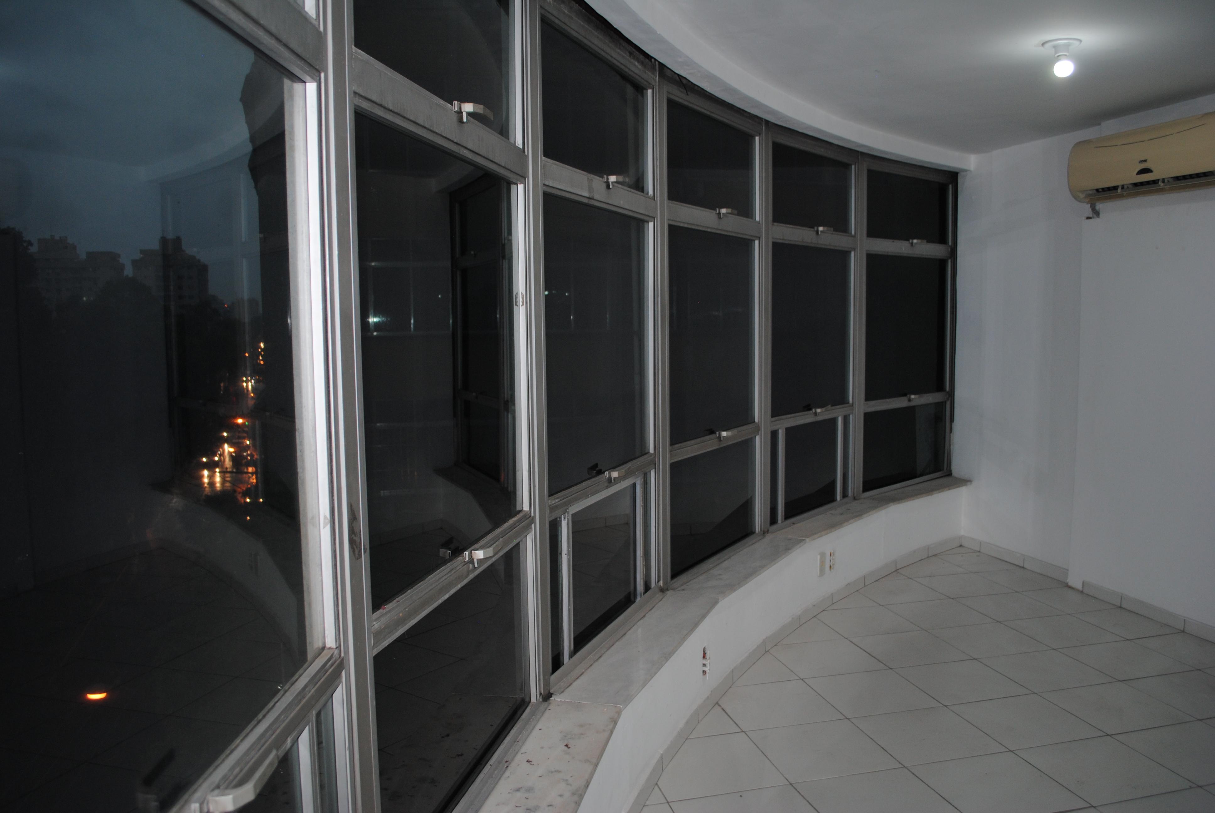 SALA COM 90M² – CENTRO – NITERÓI